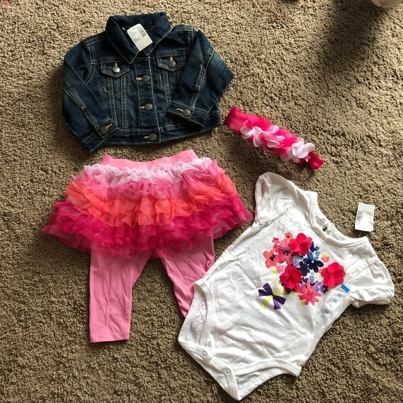 TCP baby Girls 4 Piece Outfit Size 6-9 Months NEW!